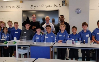 Year 6 pupils work with QE students to get a taste of A Level Chemistry