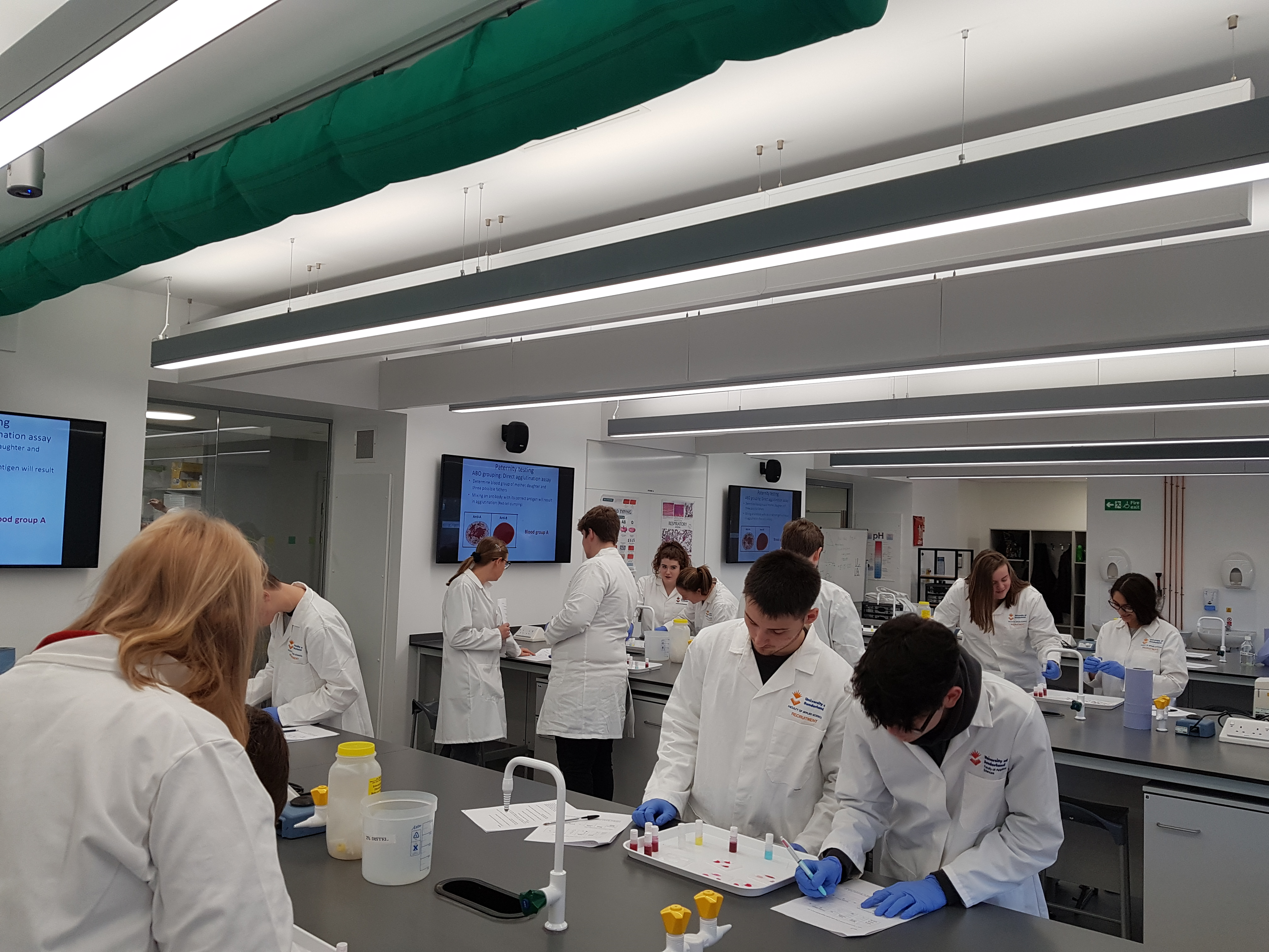 Science students sample new medicine course at University of Sunderland