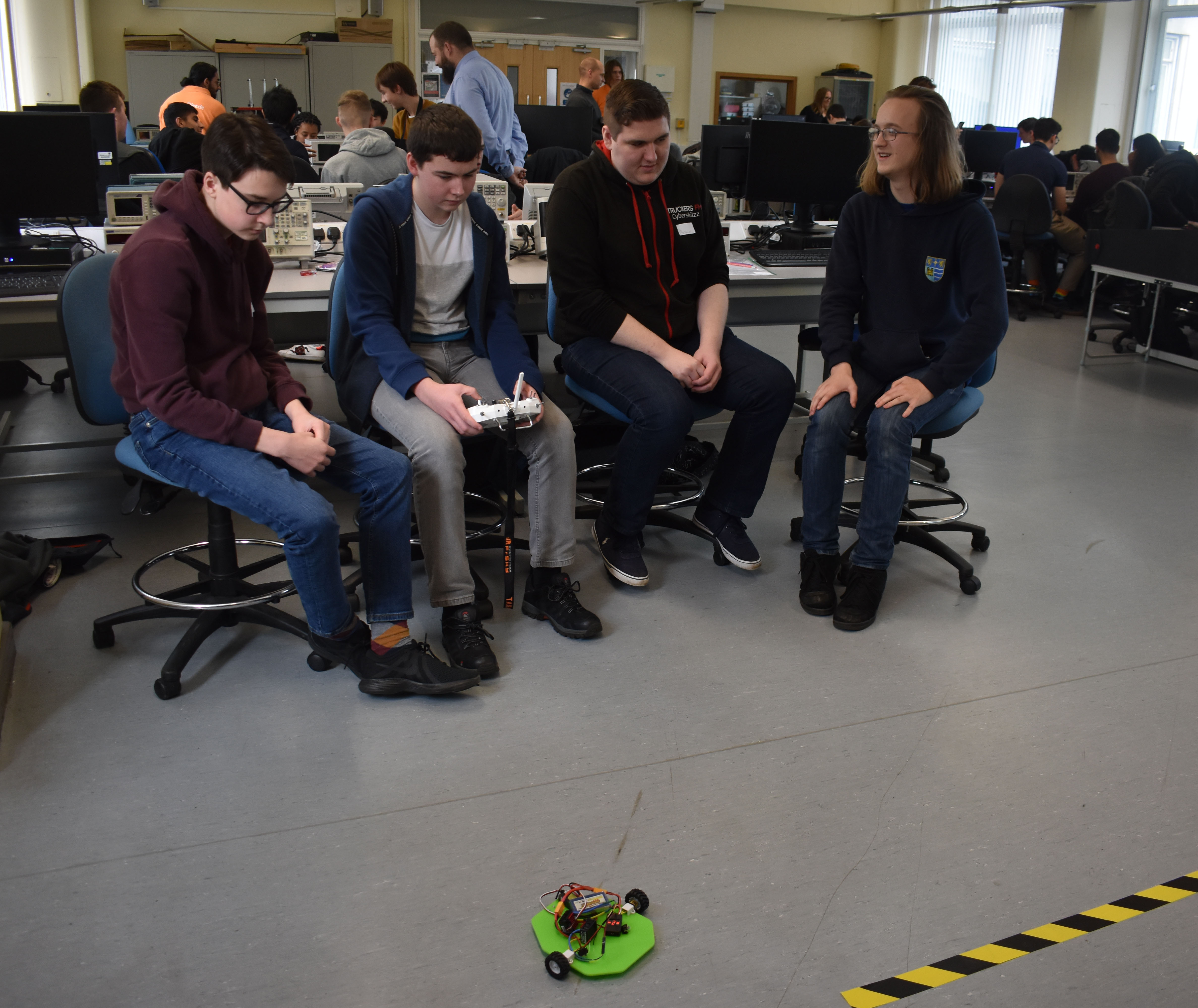 QE's future engineers prepare for robot wars